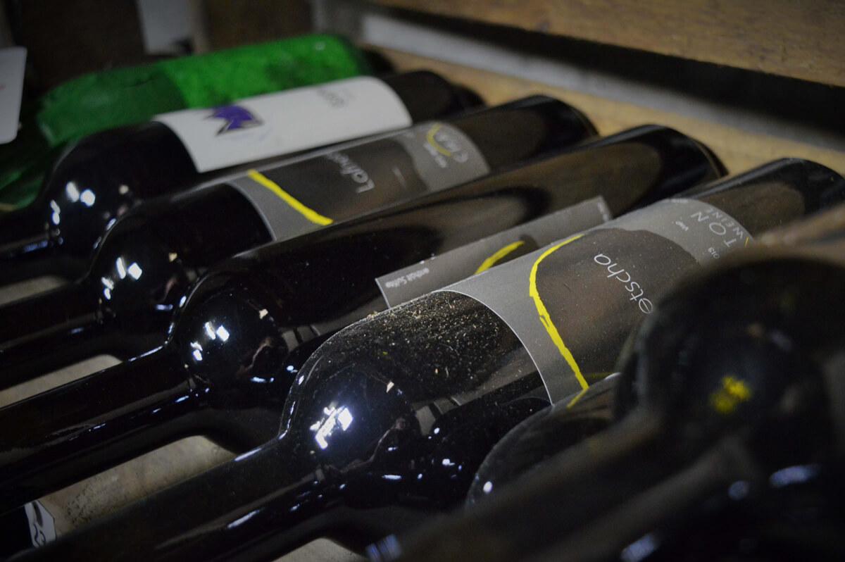 restaurant cave a vins proche martigny